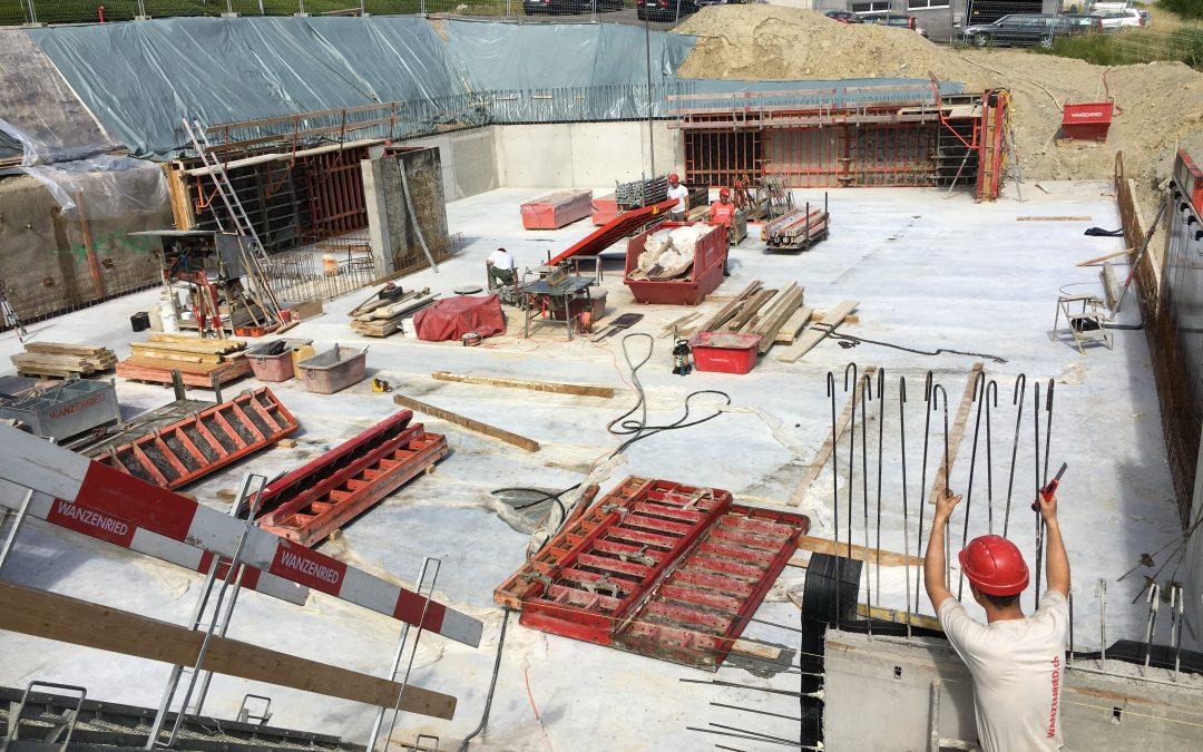 Neubau Gewerbehaus mit Attikawohnung Scherzingen
